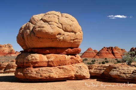 hamburger-rock-big-mac-coyote-buttes-north_500